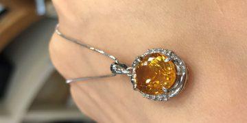 宝石の美しさを最大限に引き出す宝石の留め方とは?