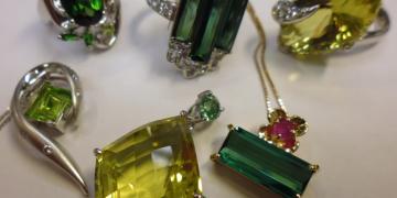 もっと詳しく!緑の宝石