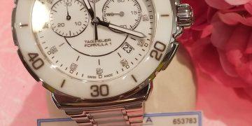 お手ごろ価格の時計!